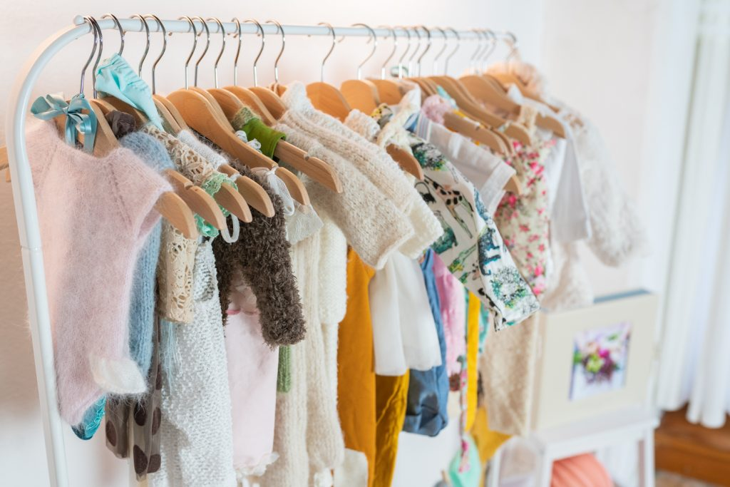 Bekleidung für Neugeborenenshootings und Kinderfotografie im Fotostudio Bremen Schnoor