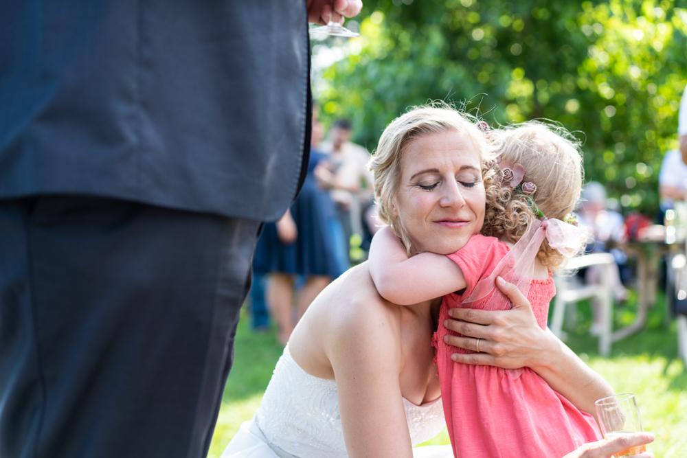 Ein Herzmoment bei den Hochzeitsfotos in Bremen