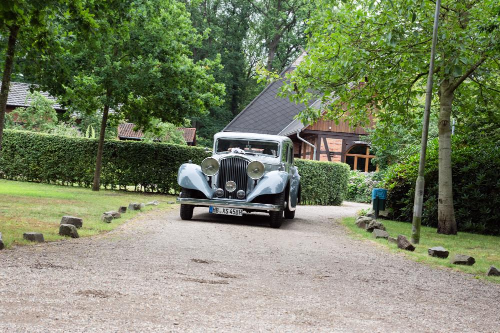 Hochzeitsfotos mit Oldtimer - Hochzeitsfotograf Bremen