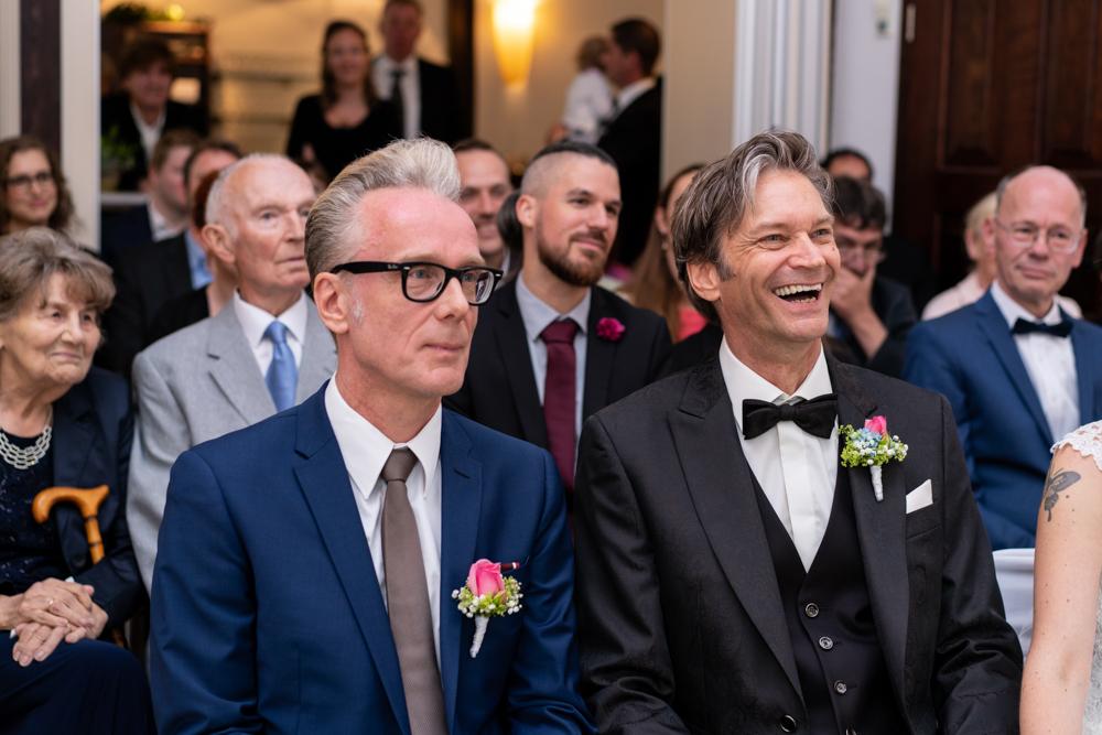 Standesamtliche Trauung im Lür-Kropp-Hof Bremen mit Begleitung vom Hochzeitsfotograf