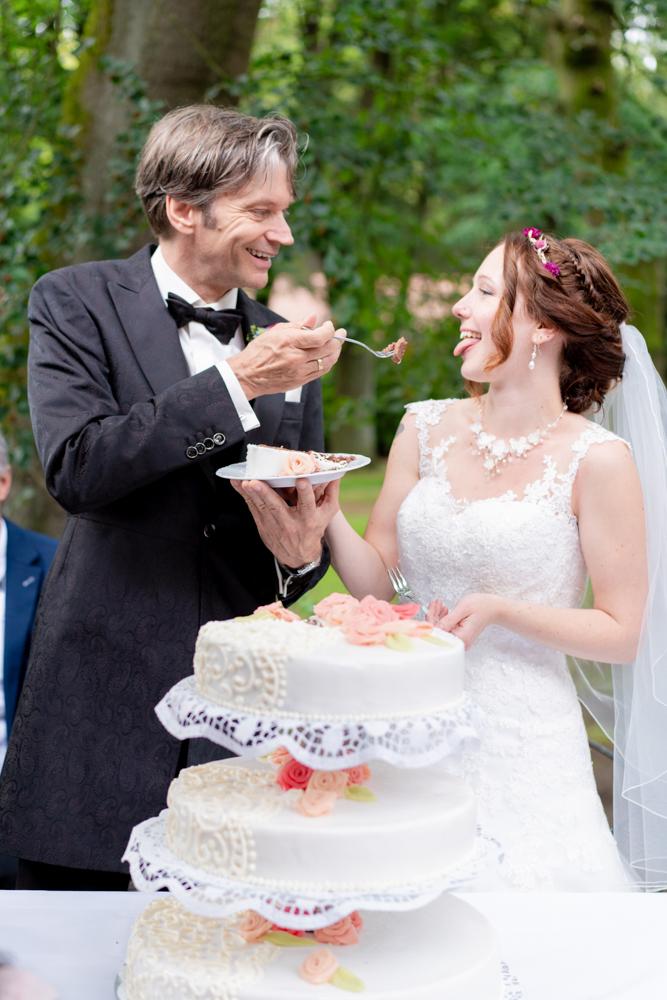 Hochzeitstorte- Fotograf für Trauungen