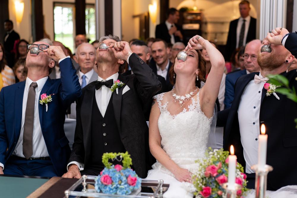 Tradition im Lür-Kropp-Hof Bremen standesamtliche Trauungen begleitet vom professionellen Hochzeitsfotograf