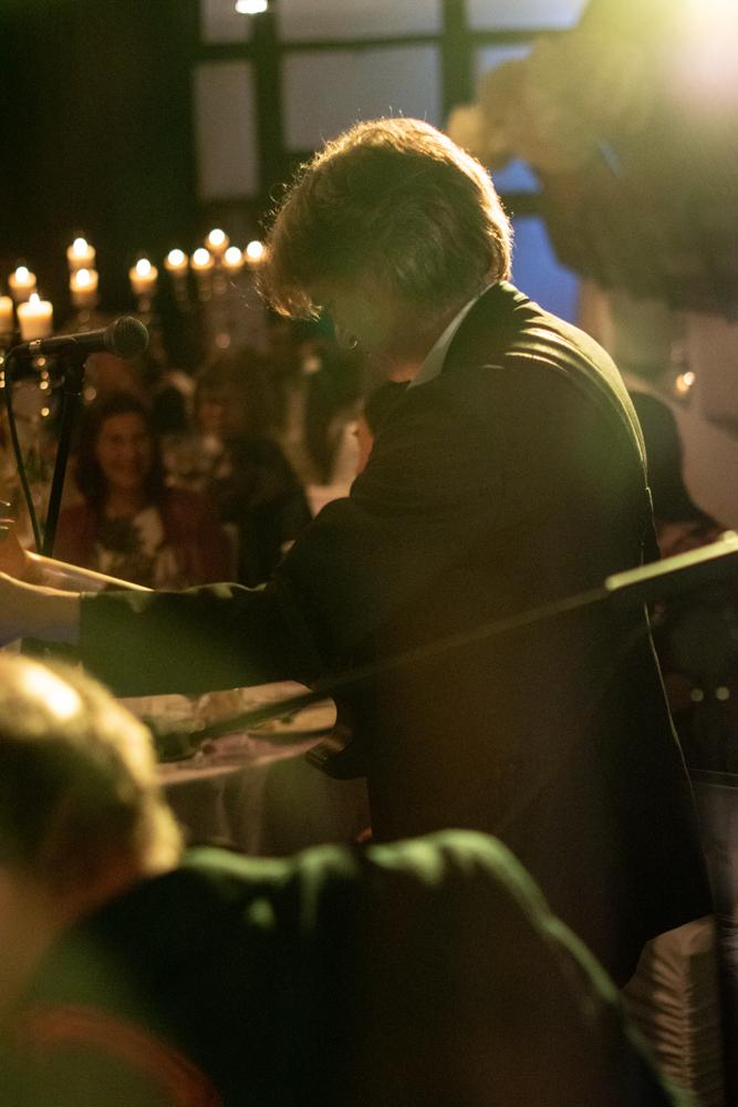 Stimmungsvolle Live Musik auf der Hochzeit - Hochzeitsfotograf