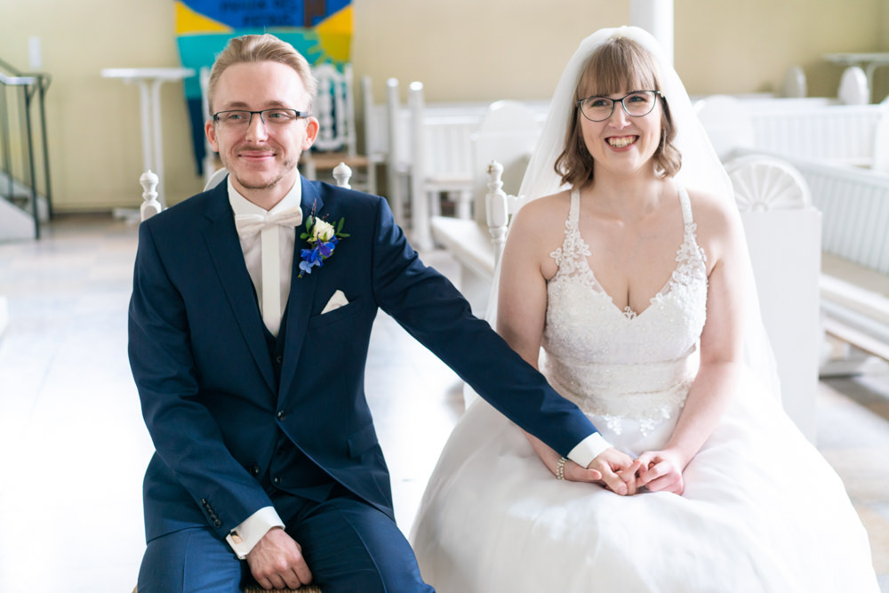 Hochzeitsfotograf Bremen kirchliche Hochzeit glückliches Brautpaar