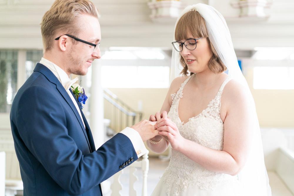 Hochzeitsfotograf Bremen kirchliche Hochzeit Trauung Ringtausch
