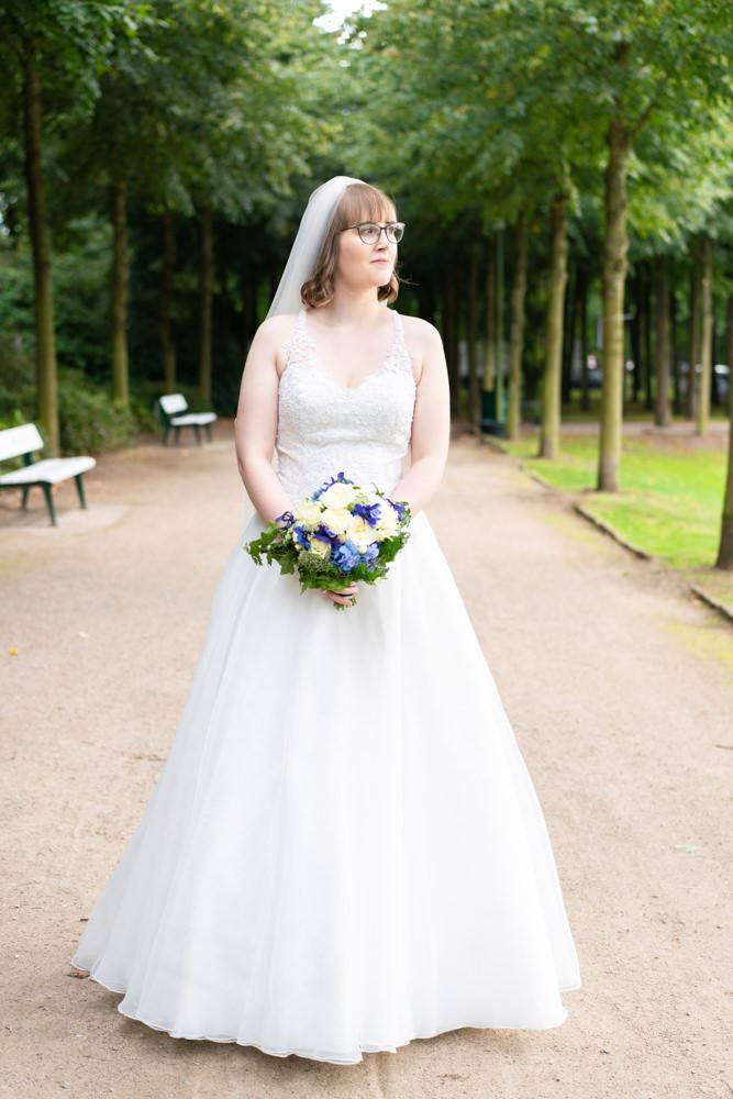 Hochzeitsfotograf Bremen Paarshooting im Bürgerpark Brautfoto