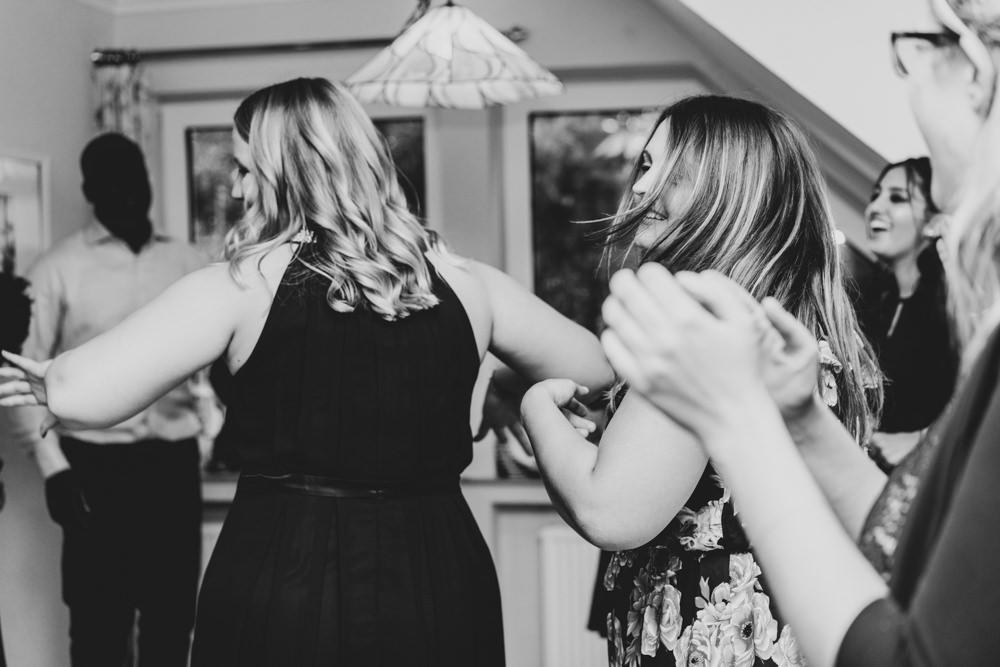 Hochzeitsfotografie Bremen Hochzeitsfeier Tanzen Party Elysianna Lumière