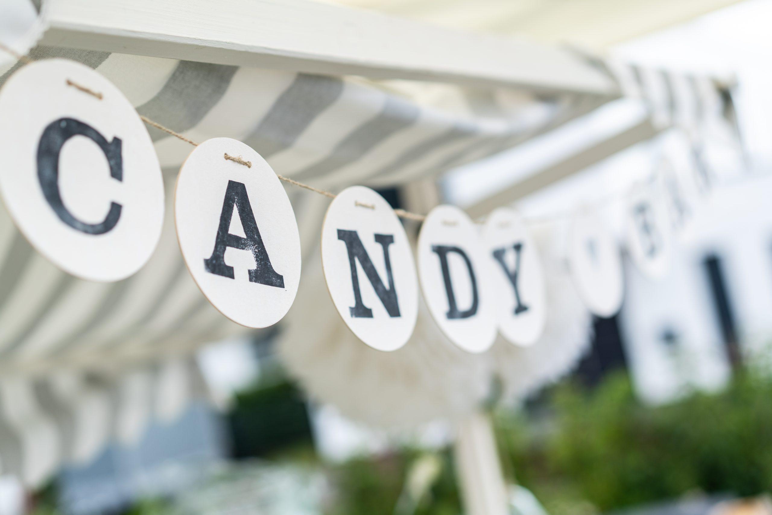 Candybar deko Hochzeit im Garten