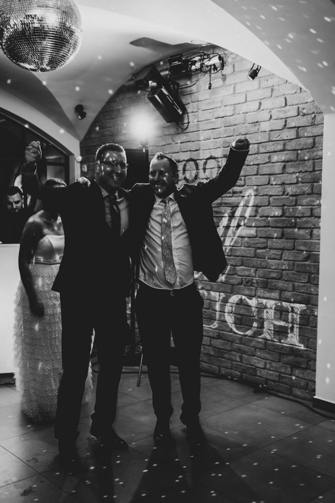 Partybild mit dem Trauzeugen Hochzeitsfotograf Bremen Ohz