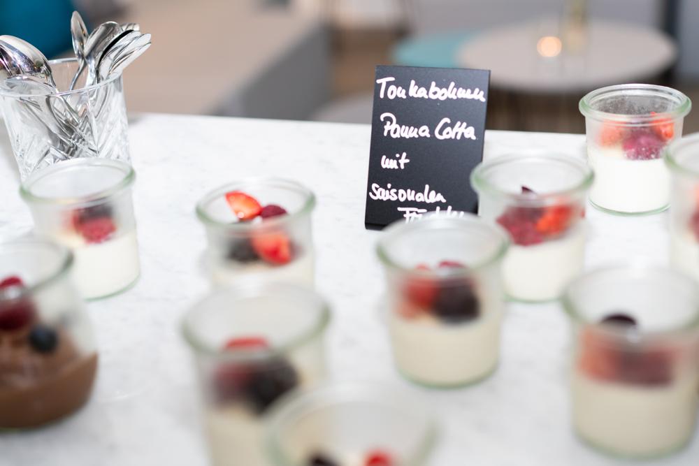Dessert beim Büffet im Schnoor Eleven Hochzeitsfotograf Bremen