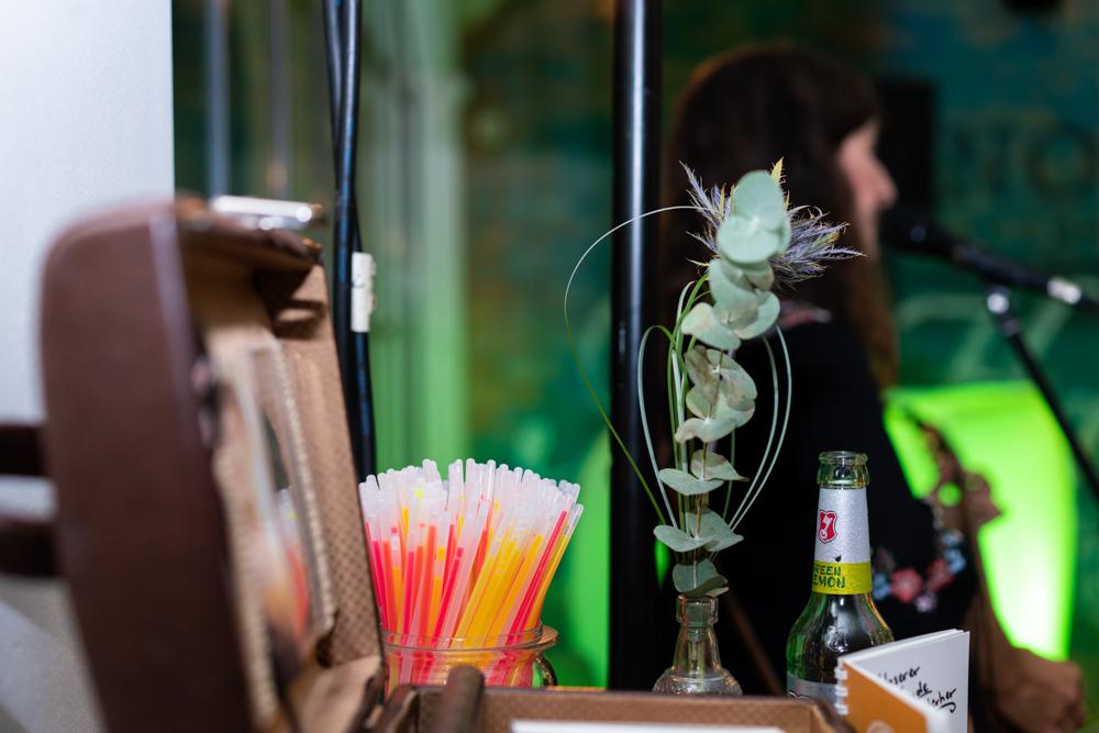 Detailbild des Merchandise Eva Croissant Sängerin für Hochzeiten