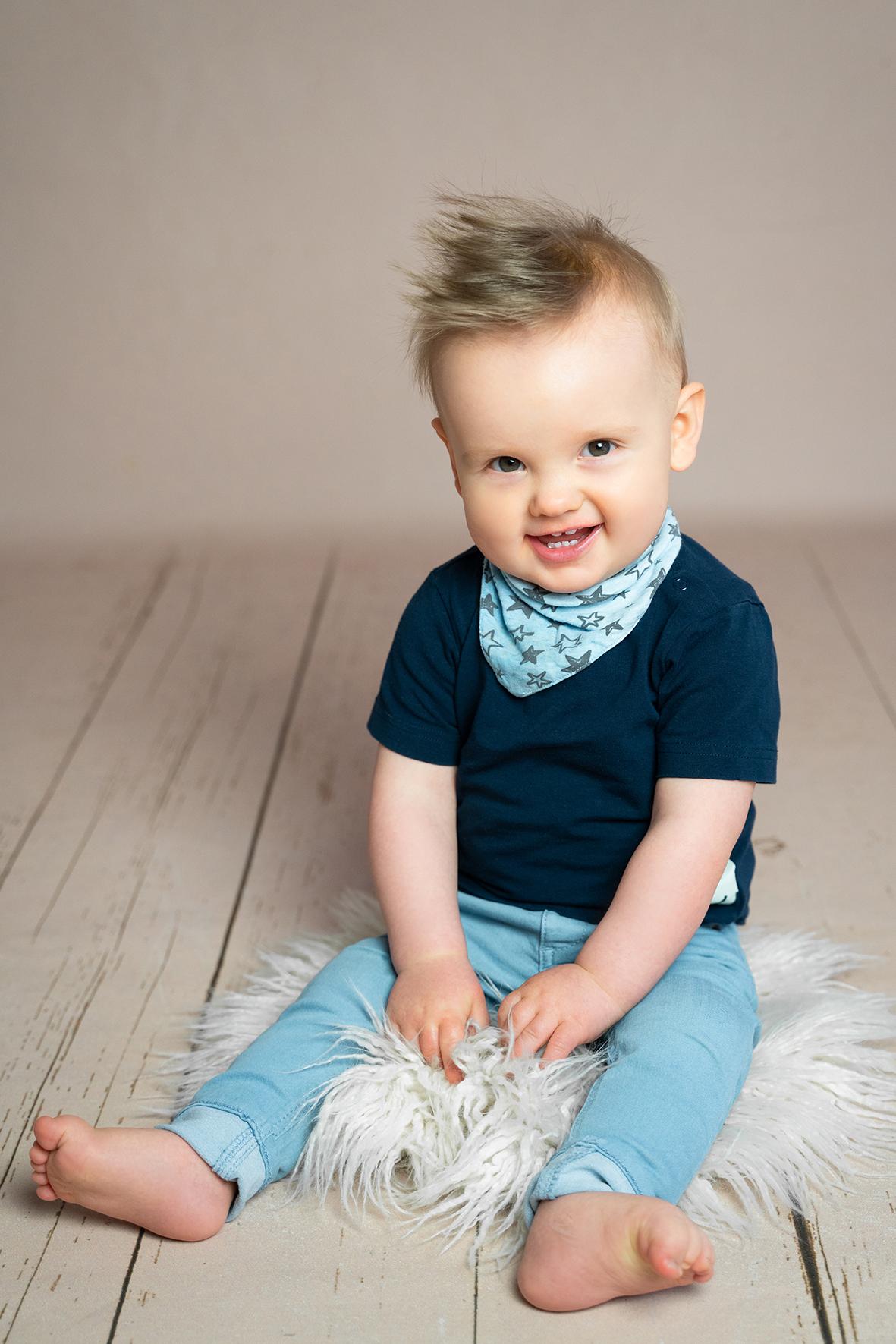 Fotostudio Vechta und Cloppenburg Babyfotografie und Familienbilder in schlichtem Setting