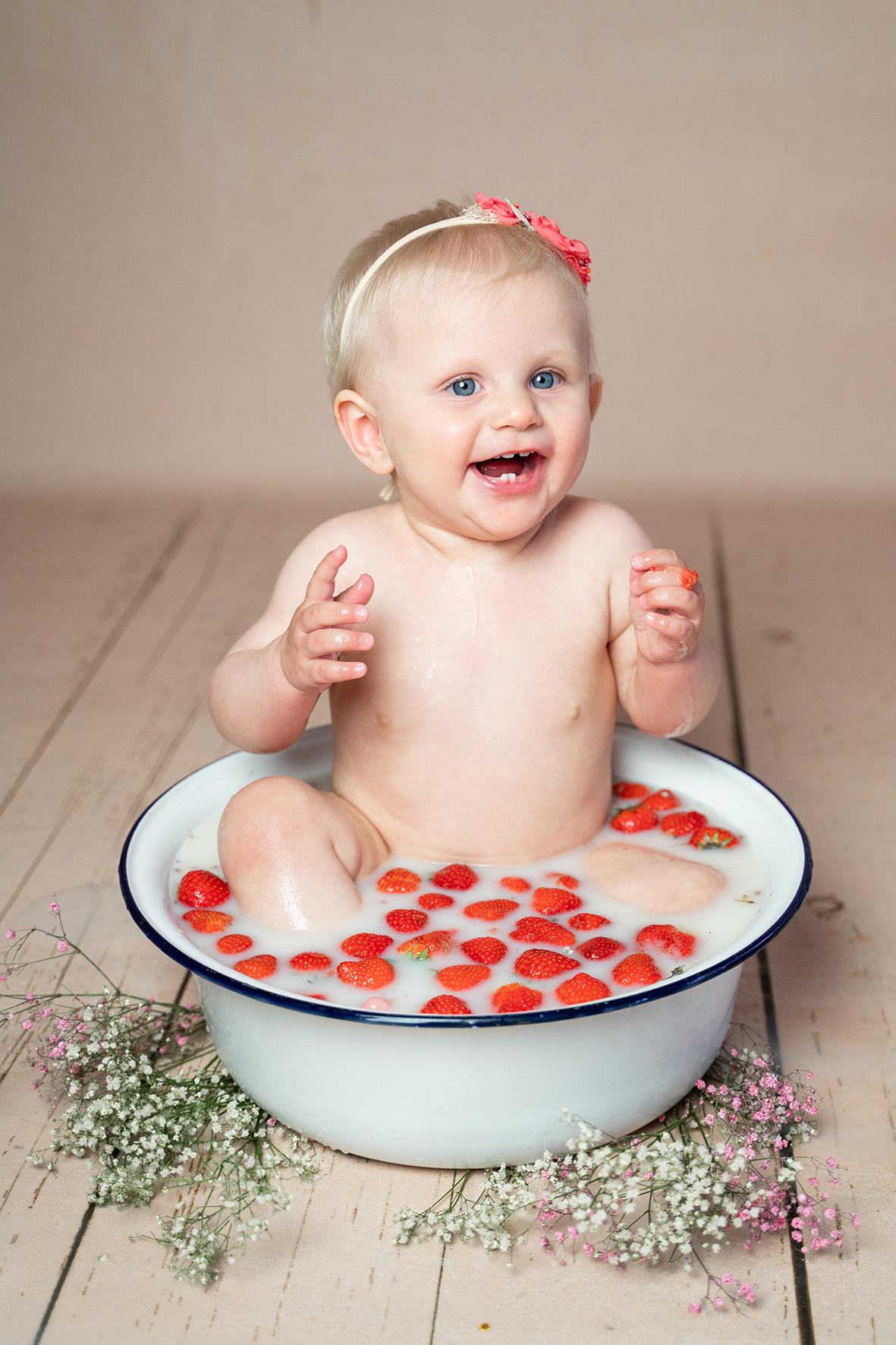Milchbadfotoshooting in Bremen im Fotostudio für Babys