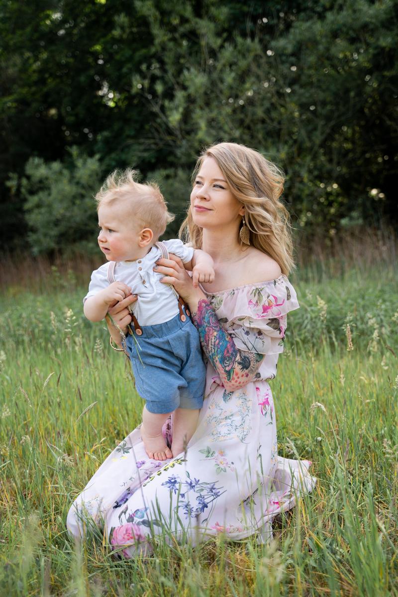 Fotoshooting Otteersberg Familienfotos Bremen Outdoor Mama und Kind Fotoshooting