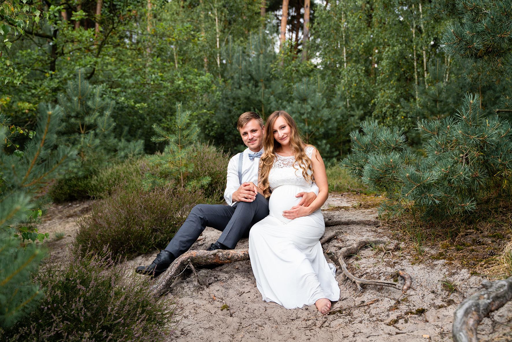 Schwangerschaftsfotos nach der Hochzeit Hochzeitsfotografin Rotenburg Wümme