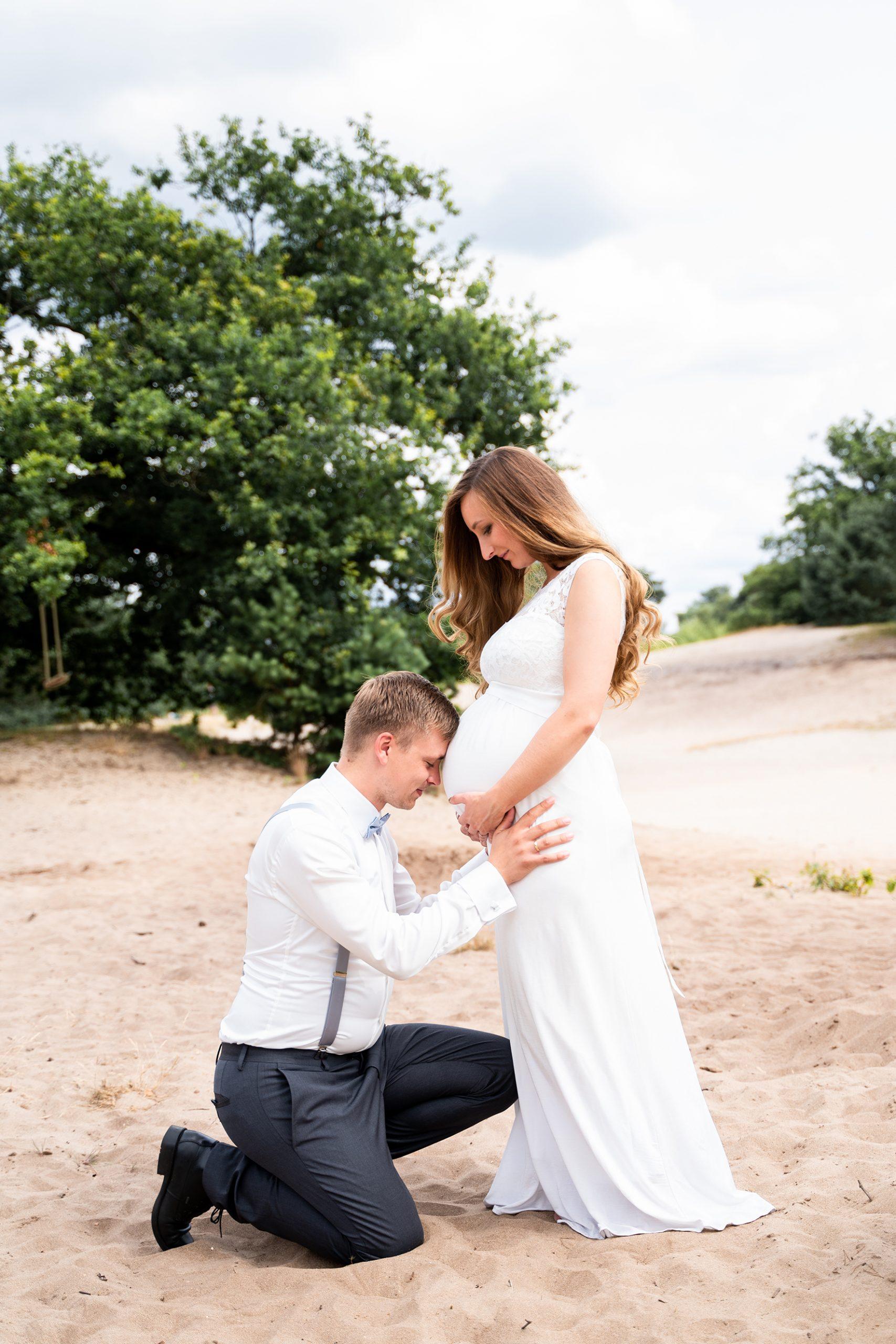 After Wedding Fotoshooting Hochzeitsfotos mit Babybauch