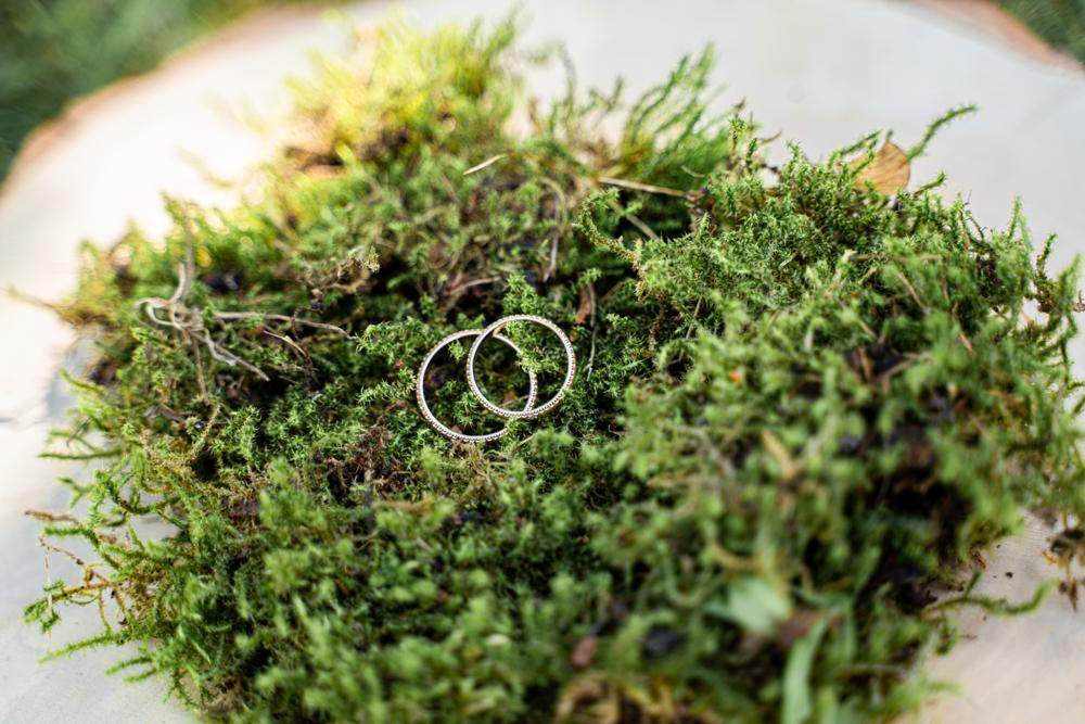 Ringkissen aus Moos Hochzeitsfotos in bremen