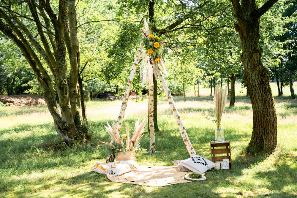 Traurigen auf der Wiese Boho Hochzeit Hippie Wedding Freie Trauung Hochzeitsfotograf Osterholz Scharmbeck