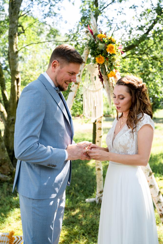 Ringwechsel freie Trauung Hochzeitsreportage Bremen Hochzeitsfotograf Lilienthal