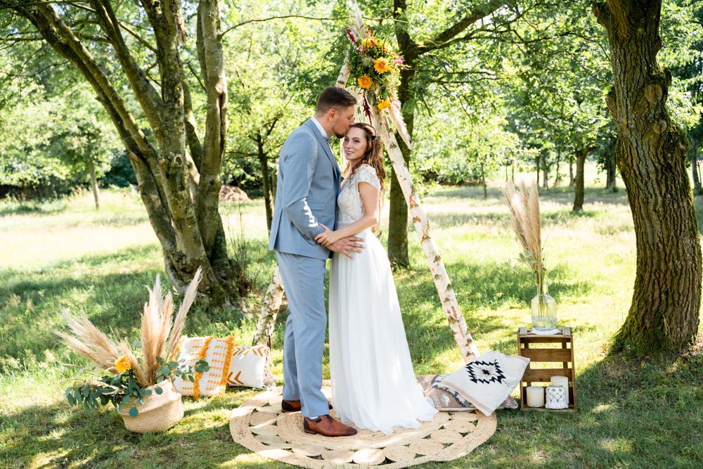 Hochzeitsfotograf bremen Hochzeitsfotos Lilienthal freie Trauung auf der Wiese