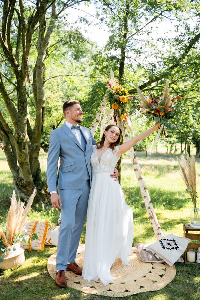 Freie Trauung Auszug mit Jubel Hochzeitsfotograf Bremen