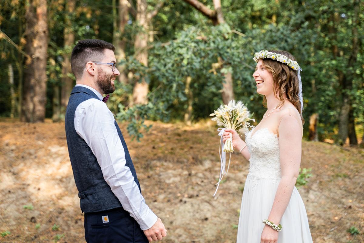 Überraschung beim First Look Hochzeitsfotograf bremen Bassum