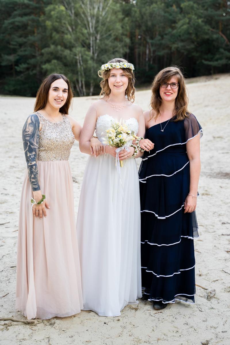 Braut mit Brautjungfern Hochzeitsfotograf bassum