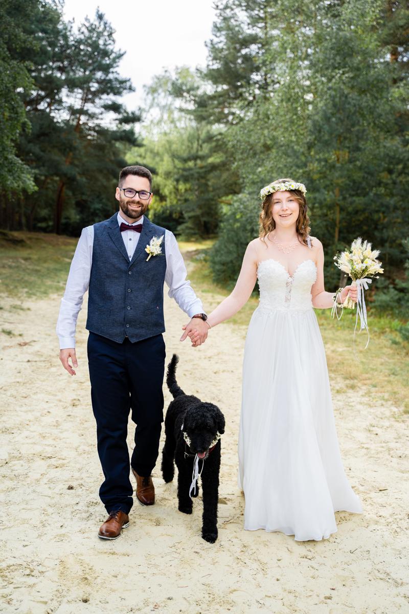 Heiraten mit Hund Hochzeitsfotografin bremen Trauung Bassum