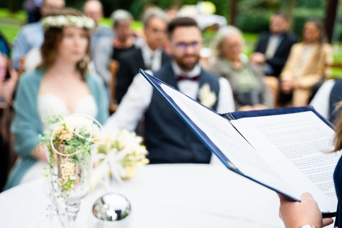 Traurede auf der Freudenburg Bassum Hochzeitsfotograf bremen