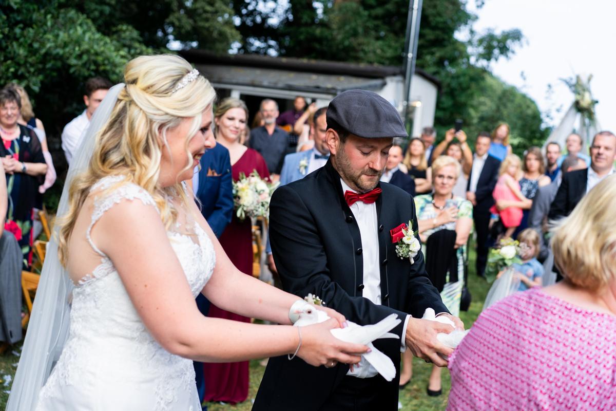 Tauben fliegen lassen Hochzeitsfeier bremen Oldenburg