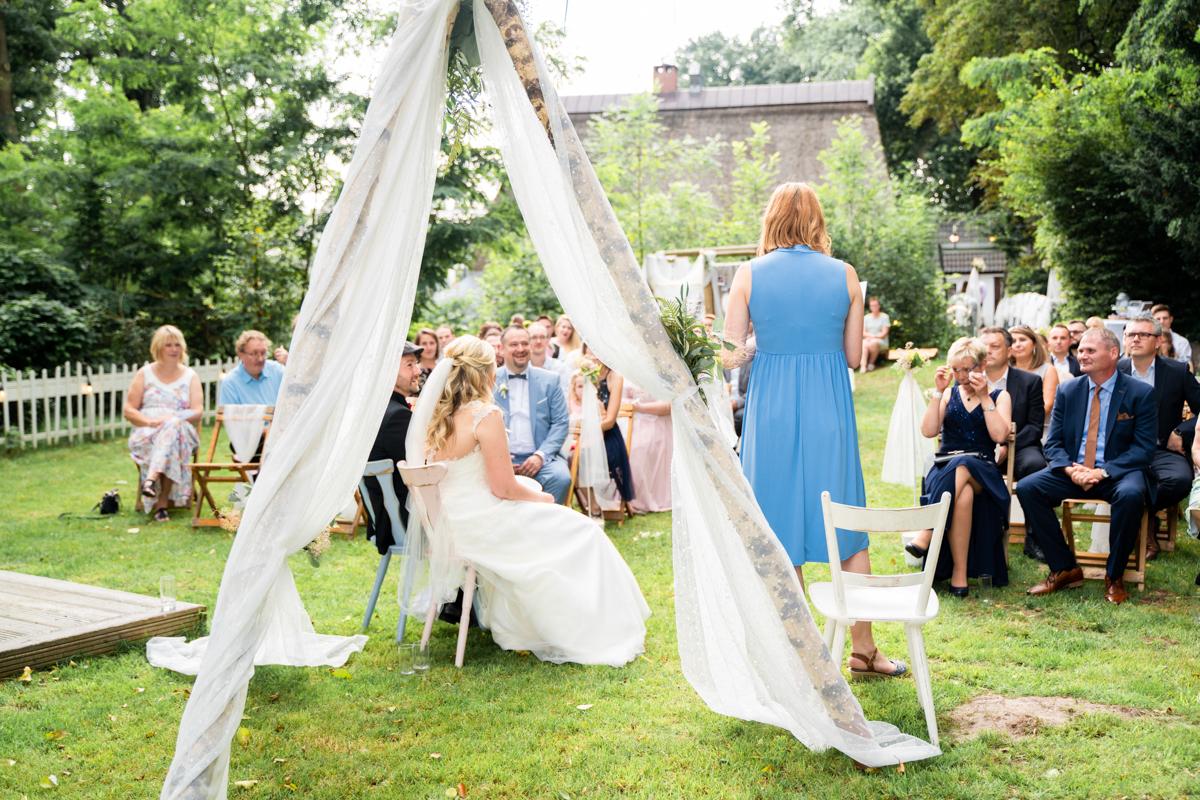 Freie Trauung im Landhaus am Deich Hochzeitsreportage Bremen Outdoor