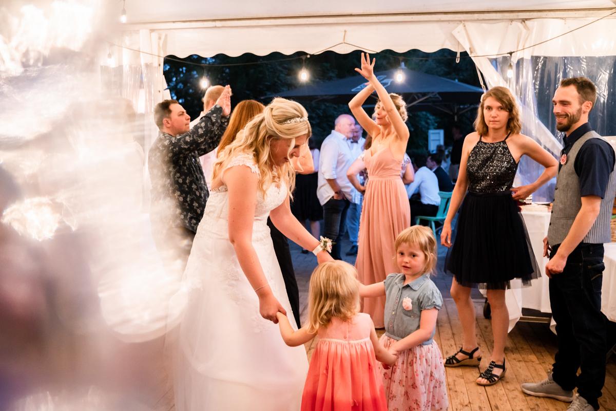 Tanzfotos Hochzeitsfeier Hochzeitsfotograf bremen
