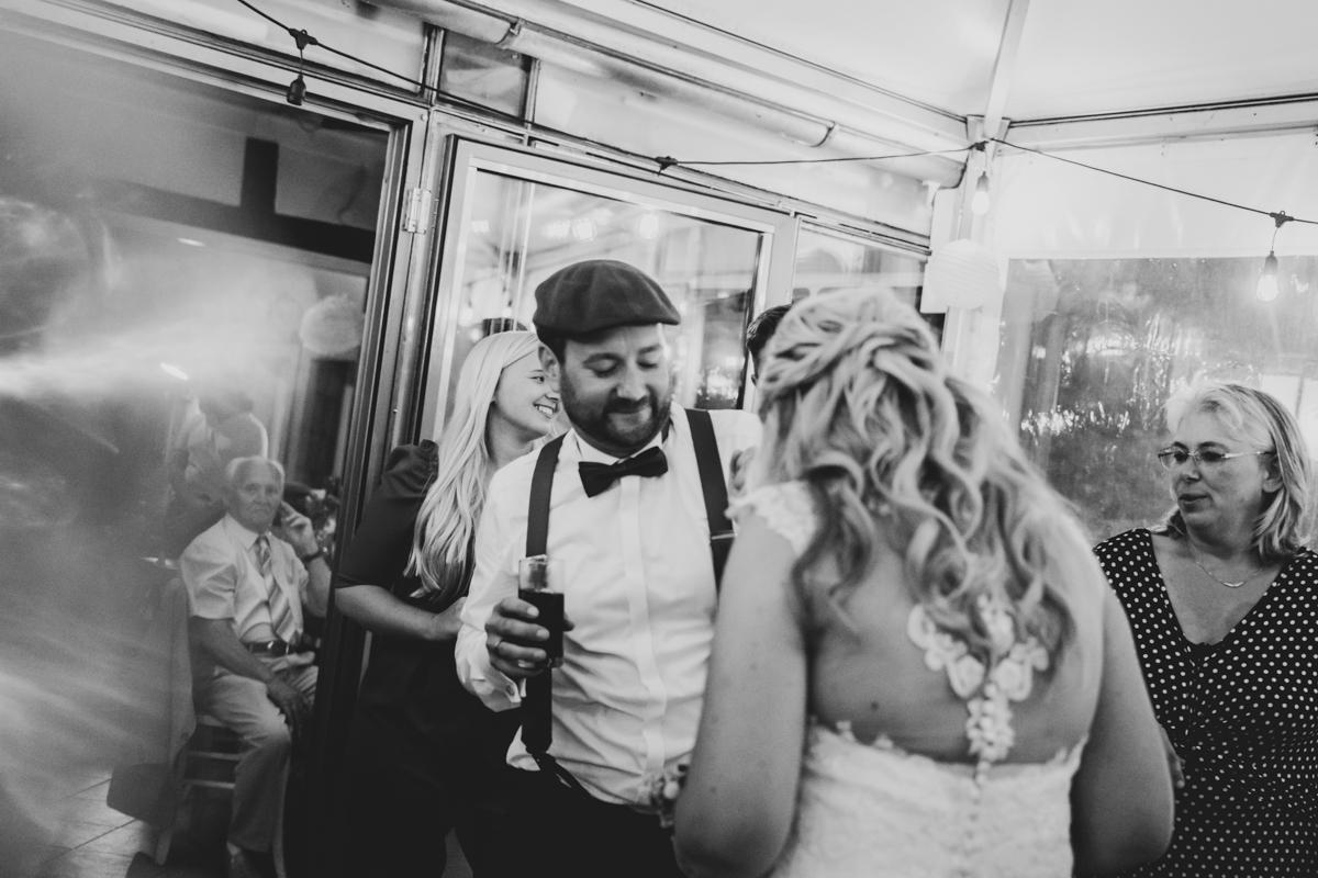 Hochzeitsfotograf Bremen Partyfotos beim Tanzen