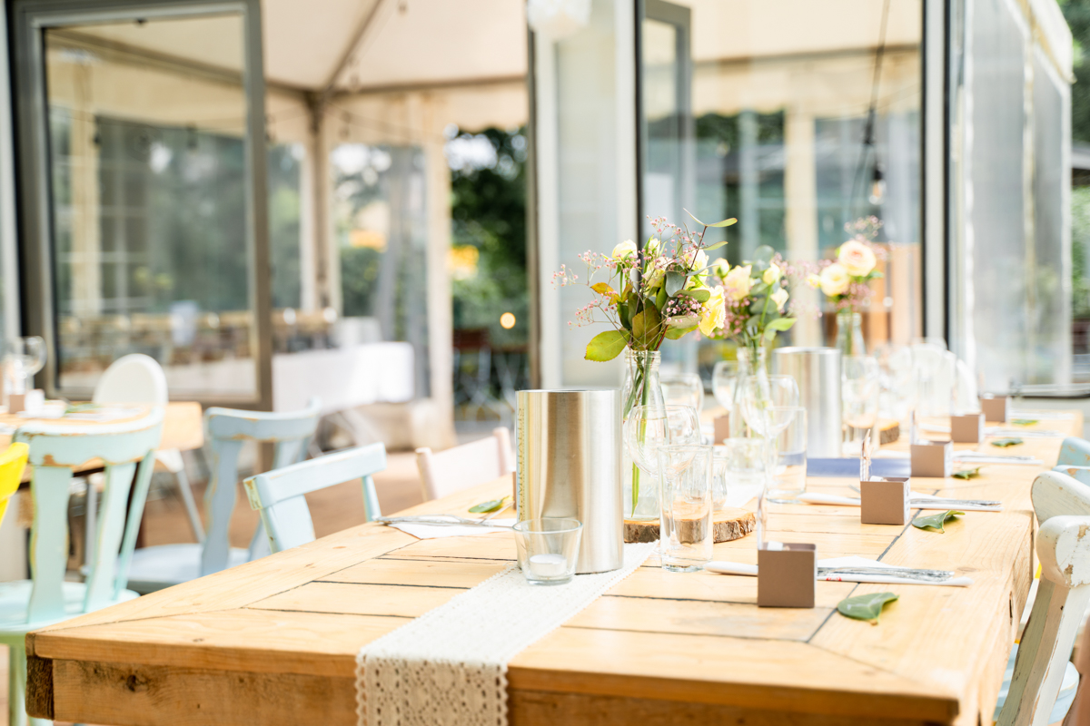 Tischdekoration mit Blumenschmuck Hochzeit Bremen
