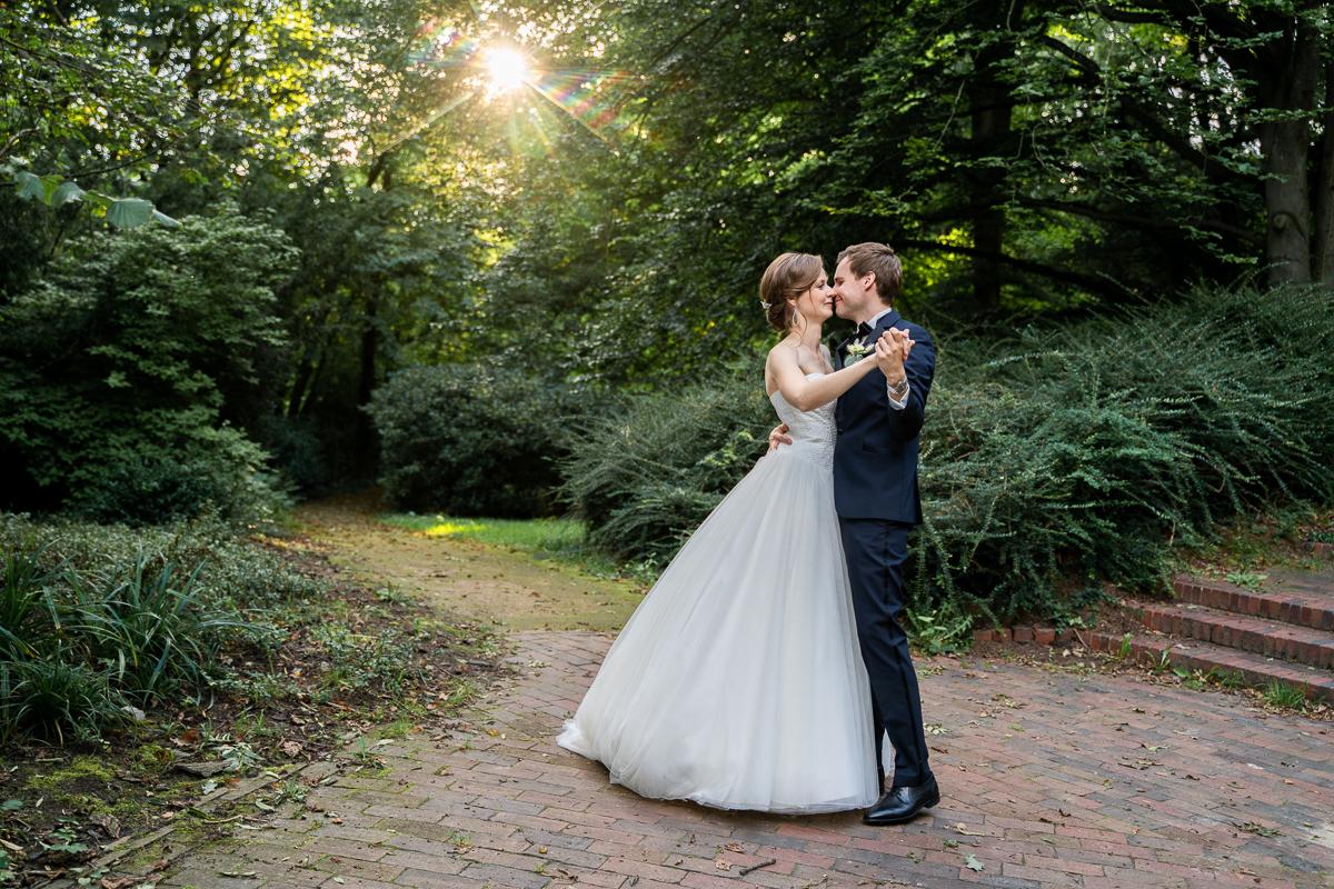 Hochzeitstanz in der späten Sommersonne Hochzeitsfotos Bremen