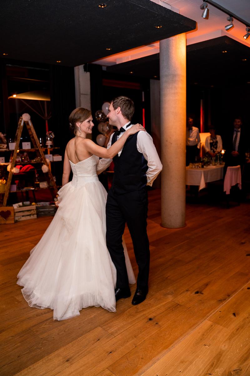 Eröffnungstanz des Brautpaares Hochzeitsfotos Bremen