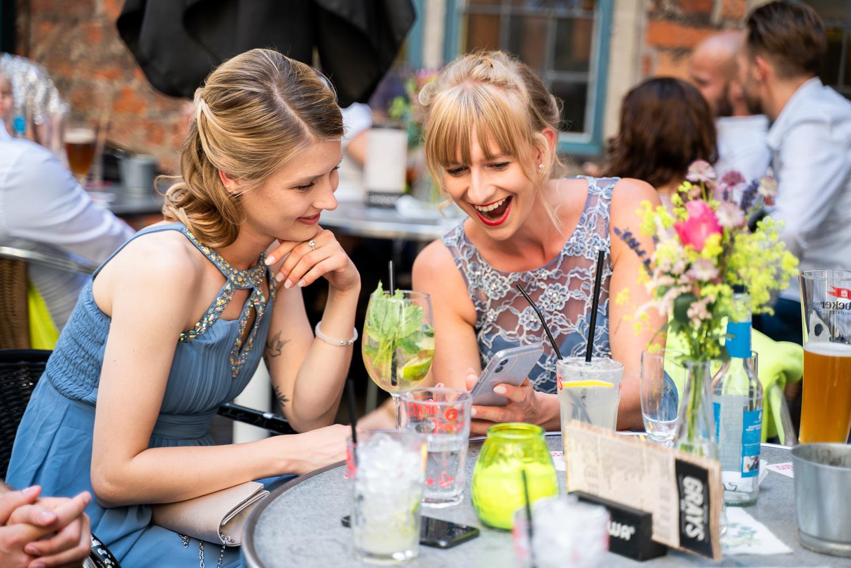 Hochzeitsfeier im Grays Bar Bremen Schnoor Hochzeitsfotos Elysianan Lumière Photography