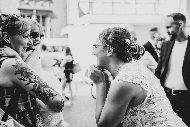 Begrüßung der Gäste Hochzeitsfeier im urbanen Stil Bremen