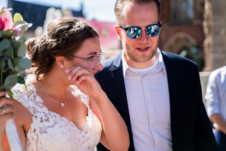 Weinende Braut beim Empfang auf dem Rathausplatz Bremen
