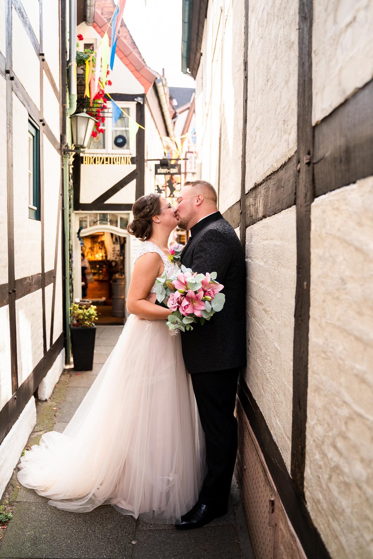 Hochzeitsfotos im Schnoor Hochzeitsfotografin Bremen Reportage urbane Hochzeiten