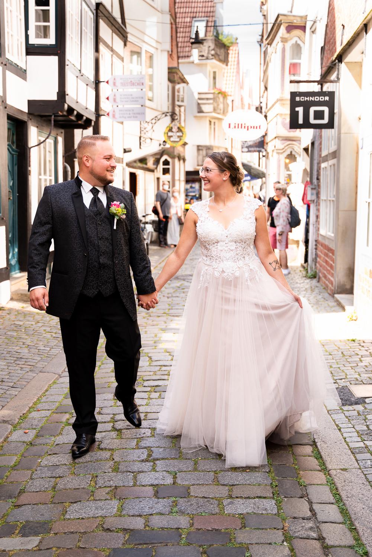 Hochzeitsfotoshooting im Bremer Schnoorviertel Urbane Hochzeitsreportage
