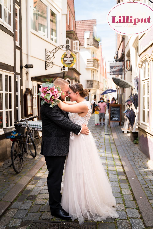 Urbane Hochzeitsreportage im herzen Bremens Hochzeitsfotos im Schnoor