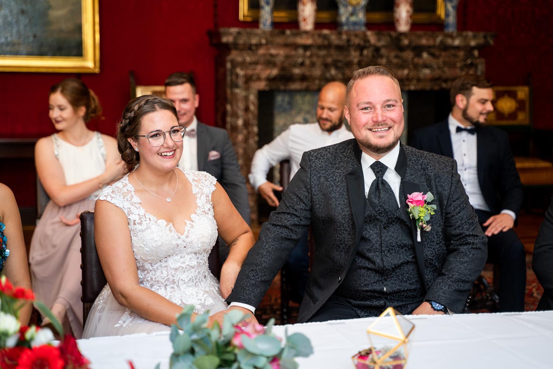 Brautpaar bei der Trauung im Standesamt Rathaus Bremen