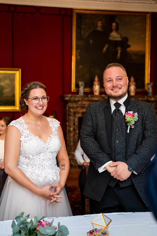 Jawort bei der standesamtlichen Trauung im Rathaus Bremen Hochzeitsreportage Fotografin