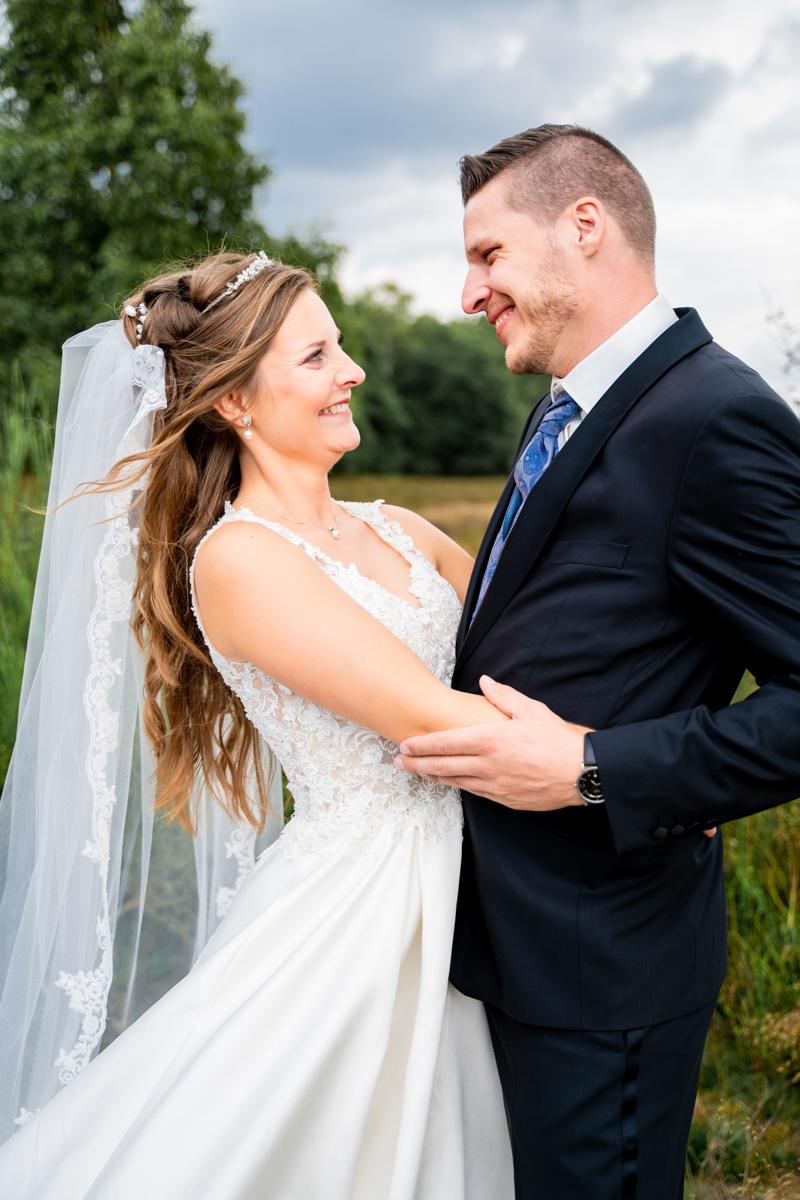 Hochzeitsfotografin bremen Fotoshooting in der Heide Hochzeitsfotos Oldenburg