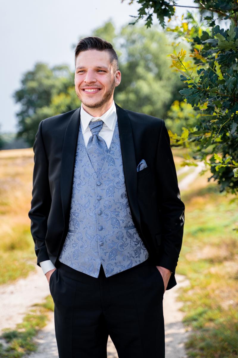 Bräutigam Heidefotos Wildeshausen Hochzeitsfotografin Bremen