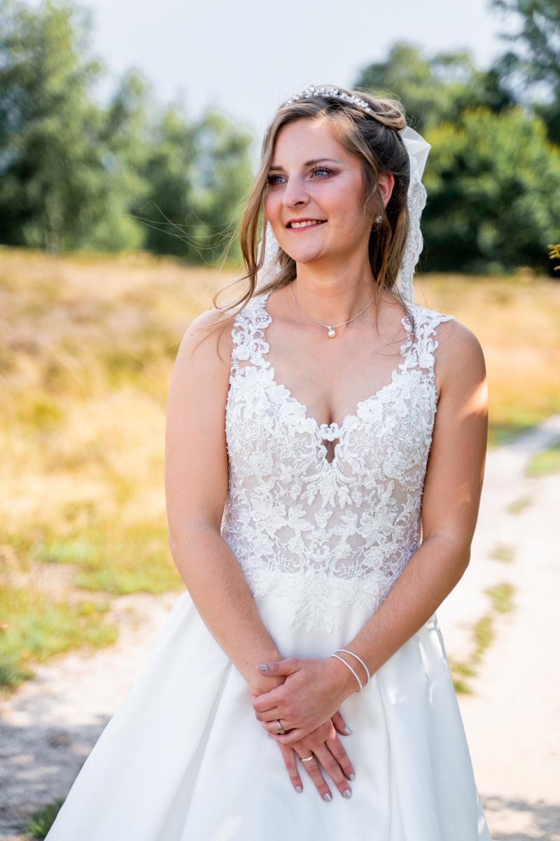Nahes Portrait der Braut Hochzeitsfotos in der Heide Wildeshausen