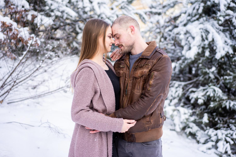 Fotografin für Familien und Paare Pärchenfotos im Schnee Bremen