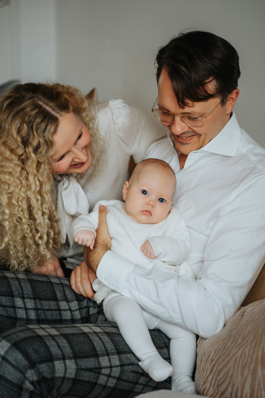 Neugeborenenfotos Zuhause Homestory Familienshooting Fotografin Bremen
