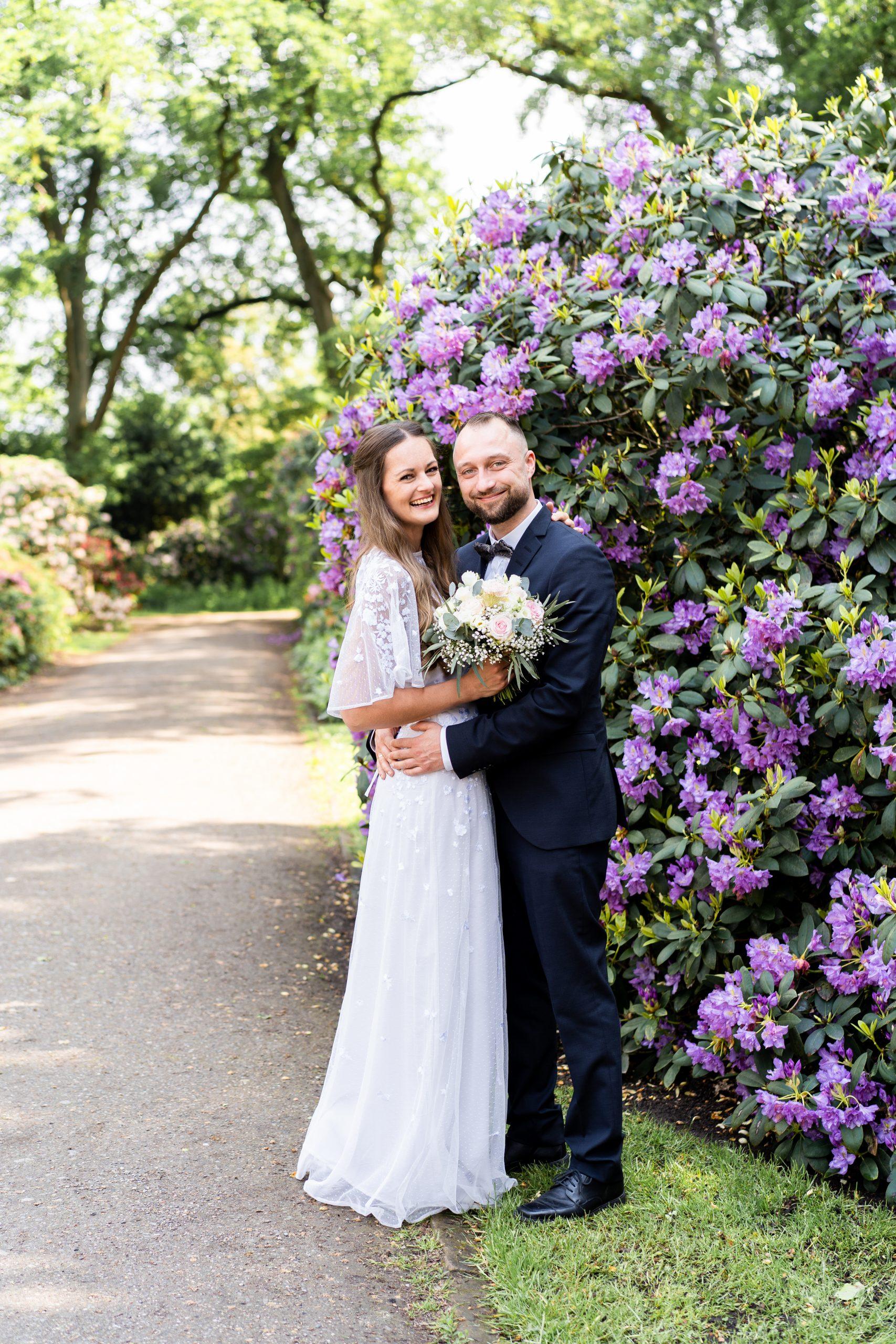 Rhododendron Rhododendronpark Bremen Hochzeitspaar Fotoshooting Hochzeitspaar Brautpaarshooting Hochzeitsfotograf